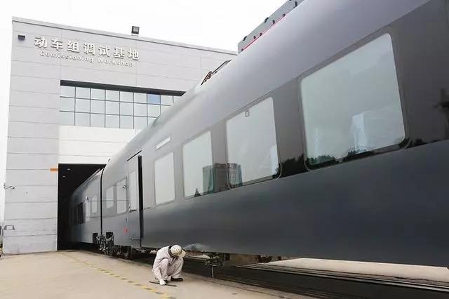 中车进入欧盟市场第一步:株机制造捷克动车组列车运往欧洲