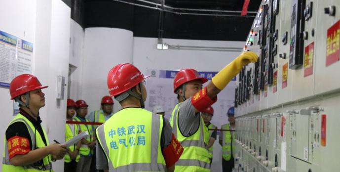 青岛地铁8号线送电成功 2020年北段先通车