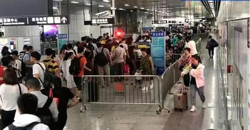 """高鐵乘客無需二次安檢!杭州東站鐵路換乘地鐵將開啓""""免檢模式"""""""
