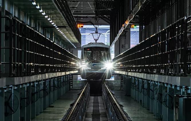成都地鐵10号线二期全線車站移交 开通在即