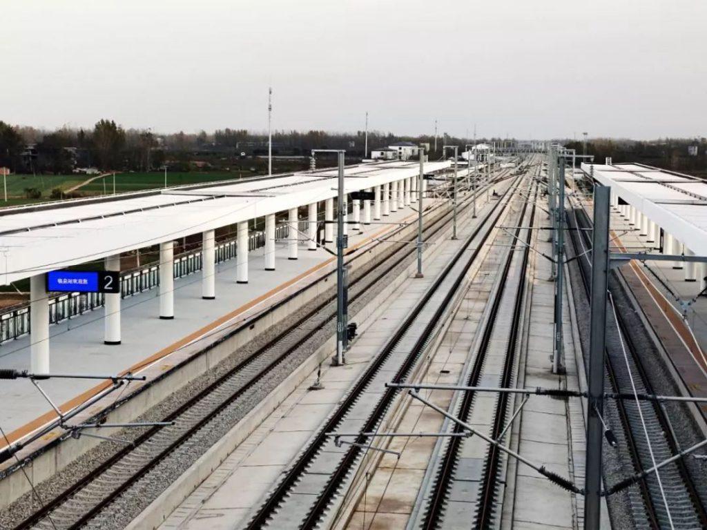 铁路快速稳发展,运营里程再破新纪录