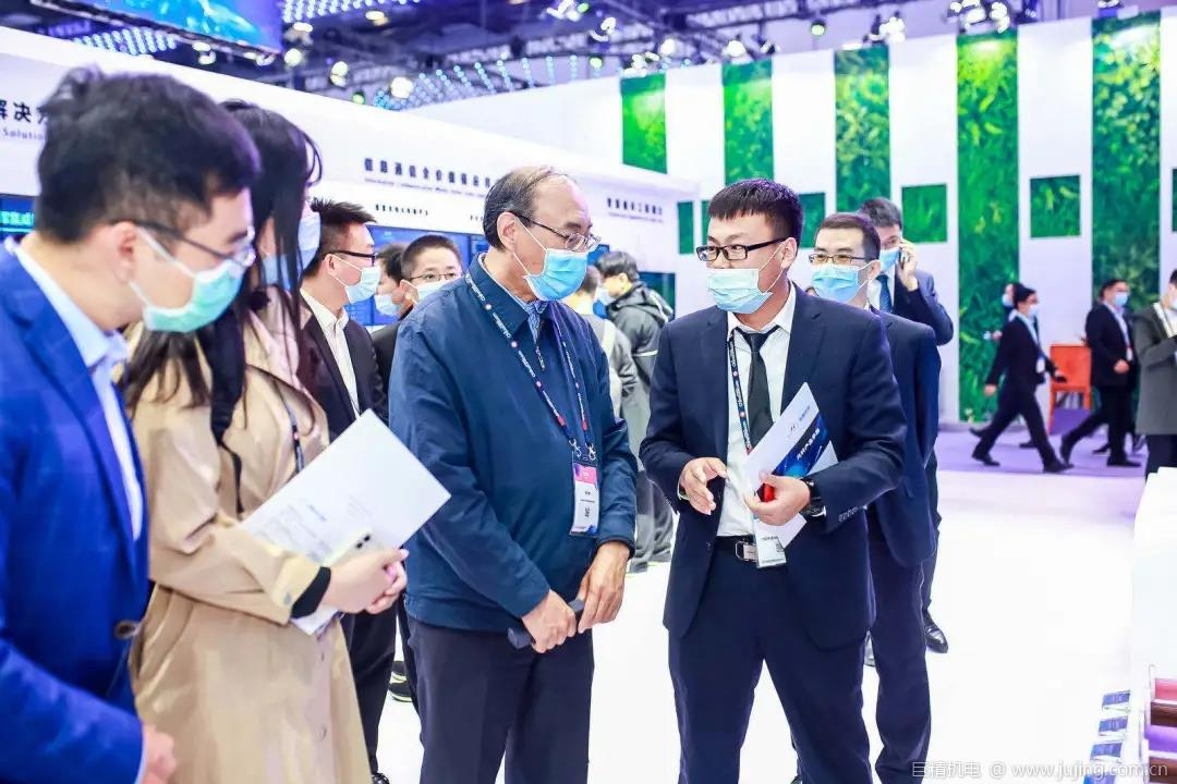 PT展 | 工信部党组成员、副部长刘烈宏一行参观亨通光电展台