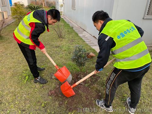 中铁七局重庆地铁4号线项目部组织开展春耕植树活动